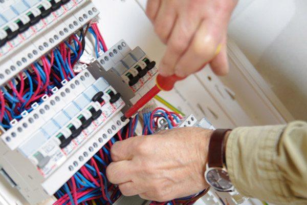 realisation carte de visite electricien
