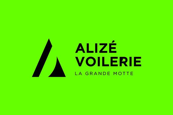 conception logo voilerie la grande motte